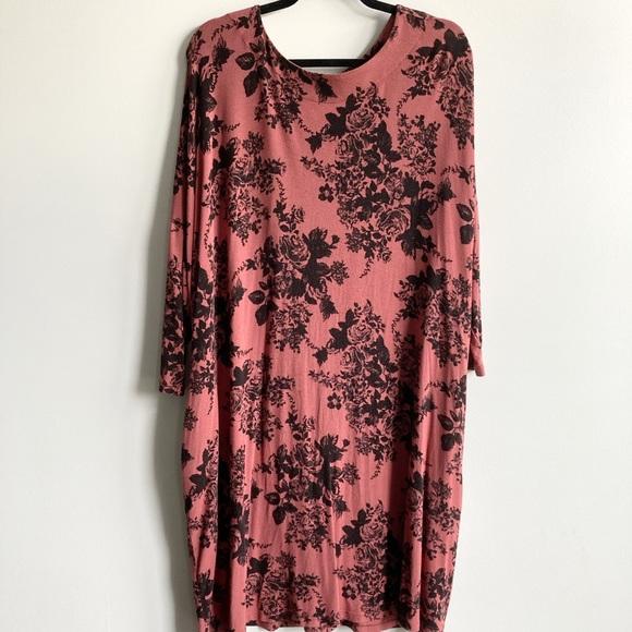FREE PEOPLE / Floral Printed T Shirt Dress